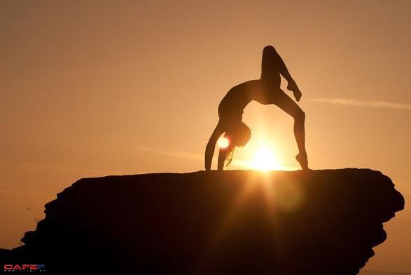 7 lợi ích khi tập Yoga trong căn phòng nhiệt gần 40 độ C - Ảnh 1.