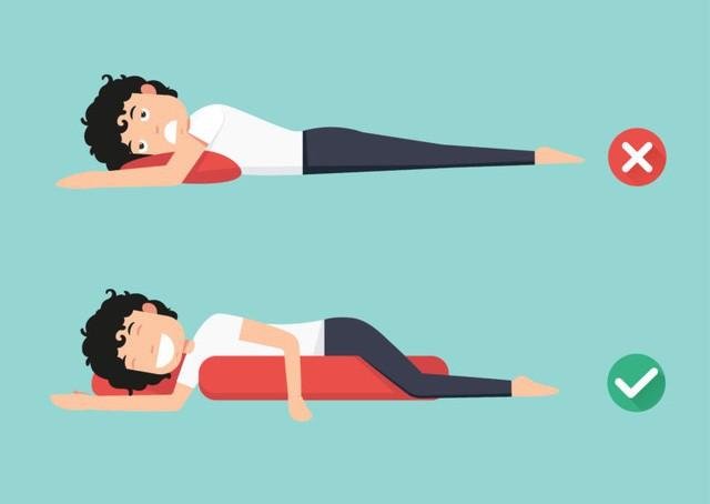 Ai bị đau lưng, cổ, vai, chân, hãy áp dụng tư thế ngủ dưới đây để có một giấc ngủ ngon - Ảnh 2.