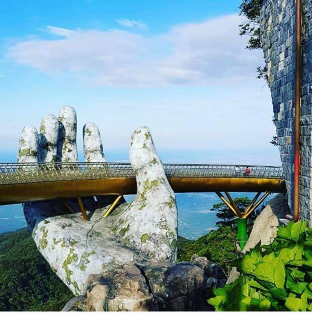 Ngắm tiên cảnh từ cây cầu vàng được nâng đỡ bởi đôi bàn tay khổng lồ siêu ấn tượng ở Đà Nẵng - Ảnh 4.