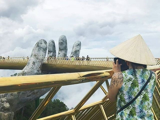Ngắm tiên cảnh từ cây cầu vàng được nâng đỡ bởi đôi bàn tay khổng lồ siêu ấn tượng ở Đà Nẵng - Ảnh 10.