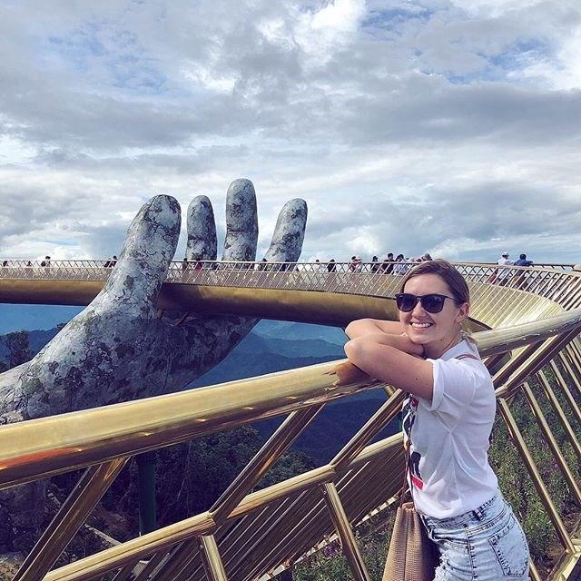 Ngắm tiên cảnh từ cây cầu vàng được nâng đỡ bởi đôi bàn tay khổng lồ siêu ấn tượng ở Đà Nẵng - Ảnh 9.