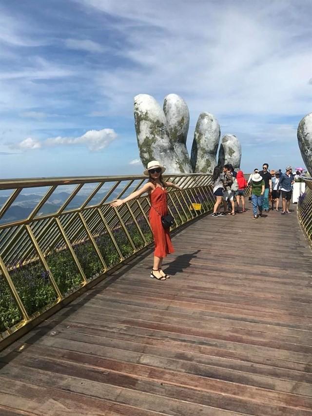 Ngắm tiên cảnh từ cây cầu vàng được nâng đỡ bởi đôi bàn tay khổng lồ siêu ấn tượng ở Đà Nẵng - Ảnh 11.