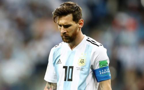 Lionel Messi: Từ cậu bé còi xương tới siêu sao bóng đá hưởng lương cao nhất thế giới nhưng lại vô duyên với các danh hiệu cấp quốc gia - Ảnh 5.