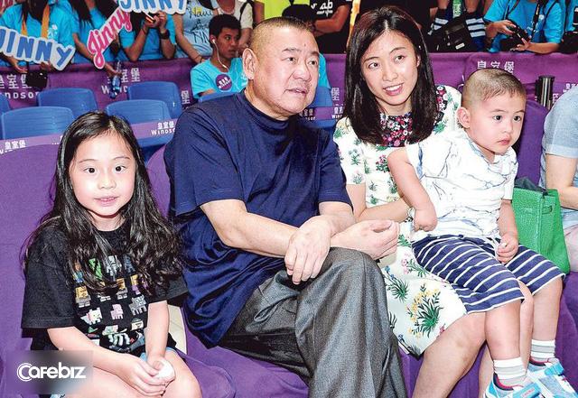 Mãnh hổ săn mỹ nữ và cách chọn vợ, chia tài sản lạ đời của tỷ phú bất động sản giàu có bậc nhất Hong Kong - Ảnh 3.