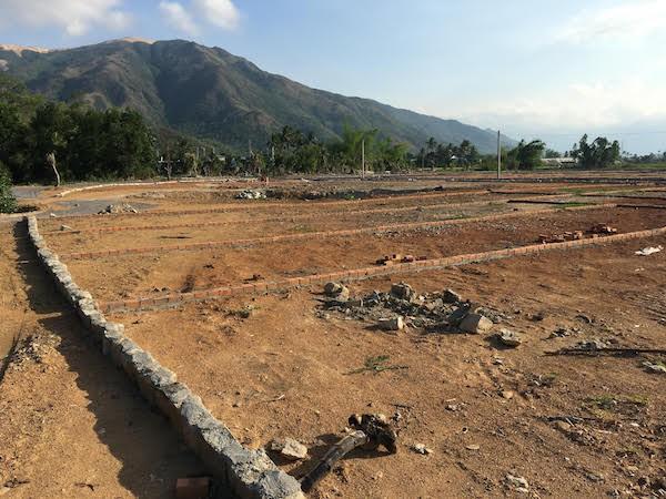 Giao dịch nhà đất ở Khánh Hòa giảm mạnh - Ảnh 1.
