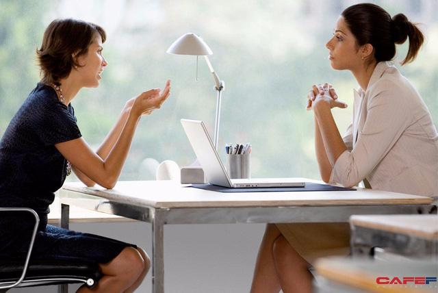 Bày tỏ ý kiến phản đối trong công việc: Làm cách nào để được lắng nghe và đạt mục đích?  - Ảnh 1.