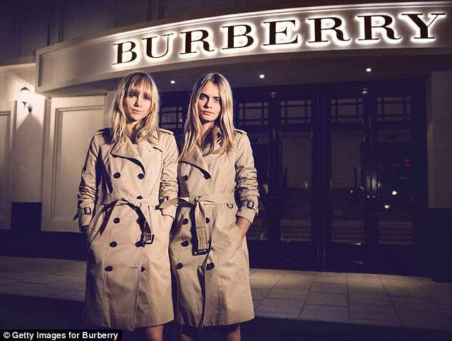 Burberry thiêu hủy 857 tỷ đồng hàng tồn, và điều này xảy ra hàng năm để ngăn hàng hoá không bị tuồn ra chợ xám - Ảnh 3.