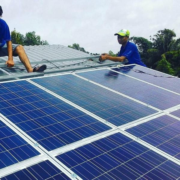 Bình Định: Lãnh đạo tỉnh, huyện đối thoại có dân về dự án điện mặt trời - Ảnh 1.