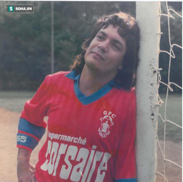 Cầu thủ bịp bợm vĩ đại nhất địa cầu: Suốt 26 năm sự nghiệp, không đá 1 trận bóng nào - Ảnh 1.