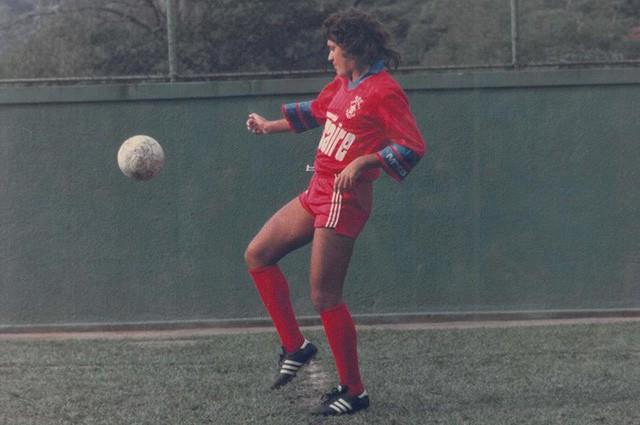 Cầu thủ bịp bợm vĩ đại nhất địa cầu: Suốt 26 năm sự nghiệp, không đá 1 trận bóng nào - Ảnh 2.