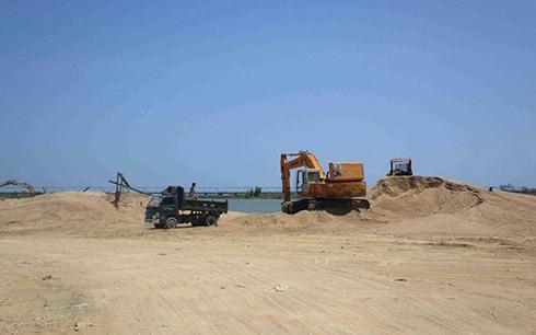 Phú Yên sẽ đấu giá khai thác cát - Ảnh 1.