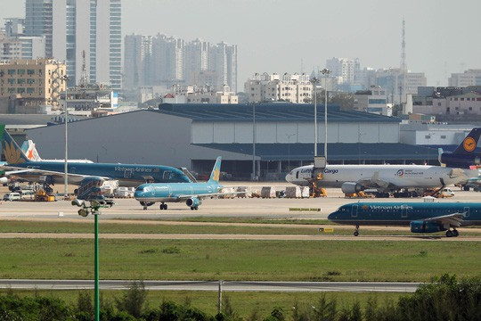 Chính phủ: Đẩy nhanh công đoạn Dự án sân bay Tân Sơn Nhất và Long Thành - Ảnh 1.