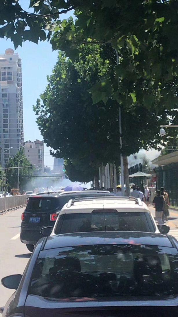 NÓNG: Đánh bom rung chuyển ngoại khu đại sứ quán Mỹ ở Bắc Kinh, nghi phạm đến từ Nội Mông - Ảnh 5.