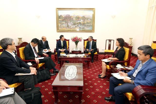 Thứ trưởng Bộ LĐTBXH lý giải mật độ bỏ việc cao của nhân viên y tế Việt Nam ở trại dưỡng lão Nhật Bản - Ảnh 2.