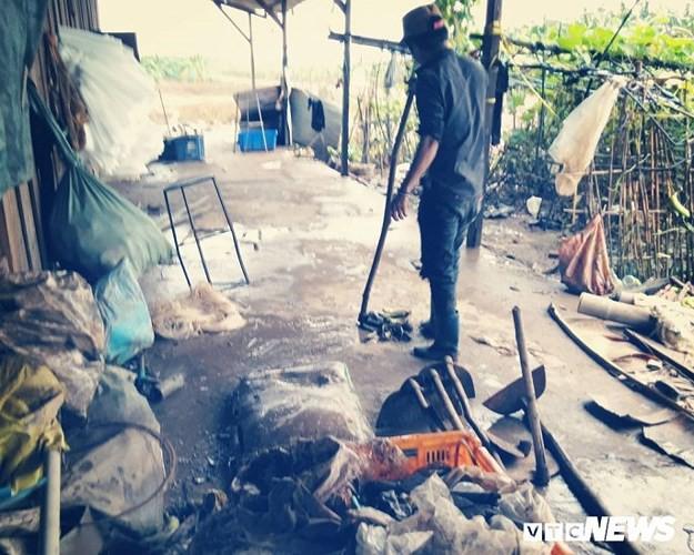 Ảnh: Người Việt thẫn thờ dọn dẹp đổ nát sau vụ vỡ đập thủy điện ở Lào - Ảnh 13.