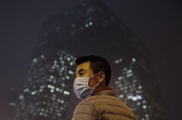 Các nhà khoa học cảnh báo kháng kháng sinh có thể lây lan qua không khí - Ảnh 1.