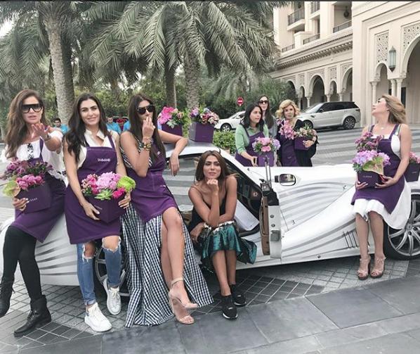 Hoa mắt với câu lạc bộ các quý cô chơi siêu xe ở Dubai: Cuộc sống quá ngắn để lái một chiếc xe nhàm chán - Ảnh 6.