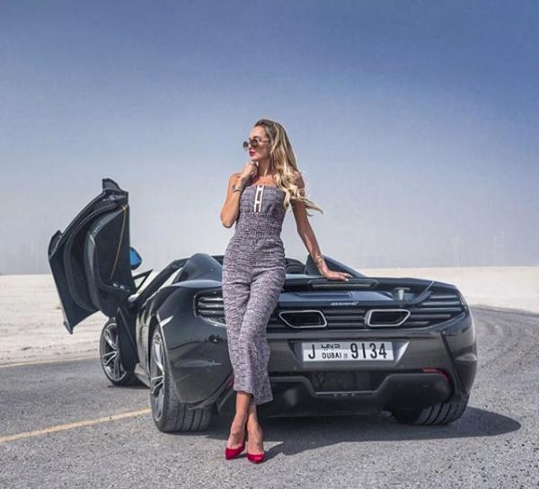 Hoa mắt với câu lạc bộ các quý cô chơi siêu xe ở Dubai: Cuộc sống quá ngắn để lái một chiếc xe nhàm chán - Ảnh 11.