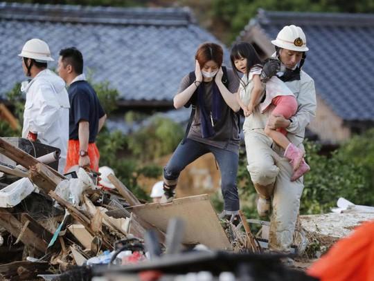 Mưa lũ Nhật Bản: Chuyện đau lòng từ ngôi trường chỉ có 6 học sinh - Ảnh 1.