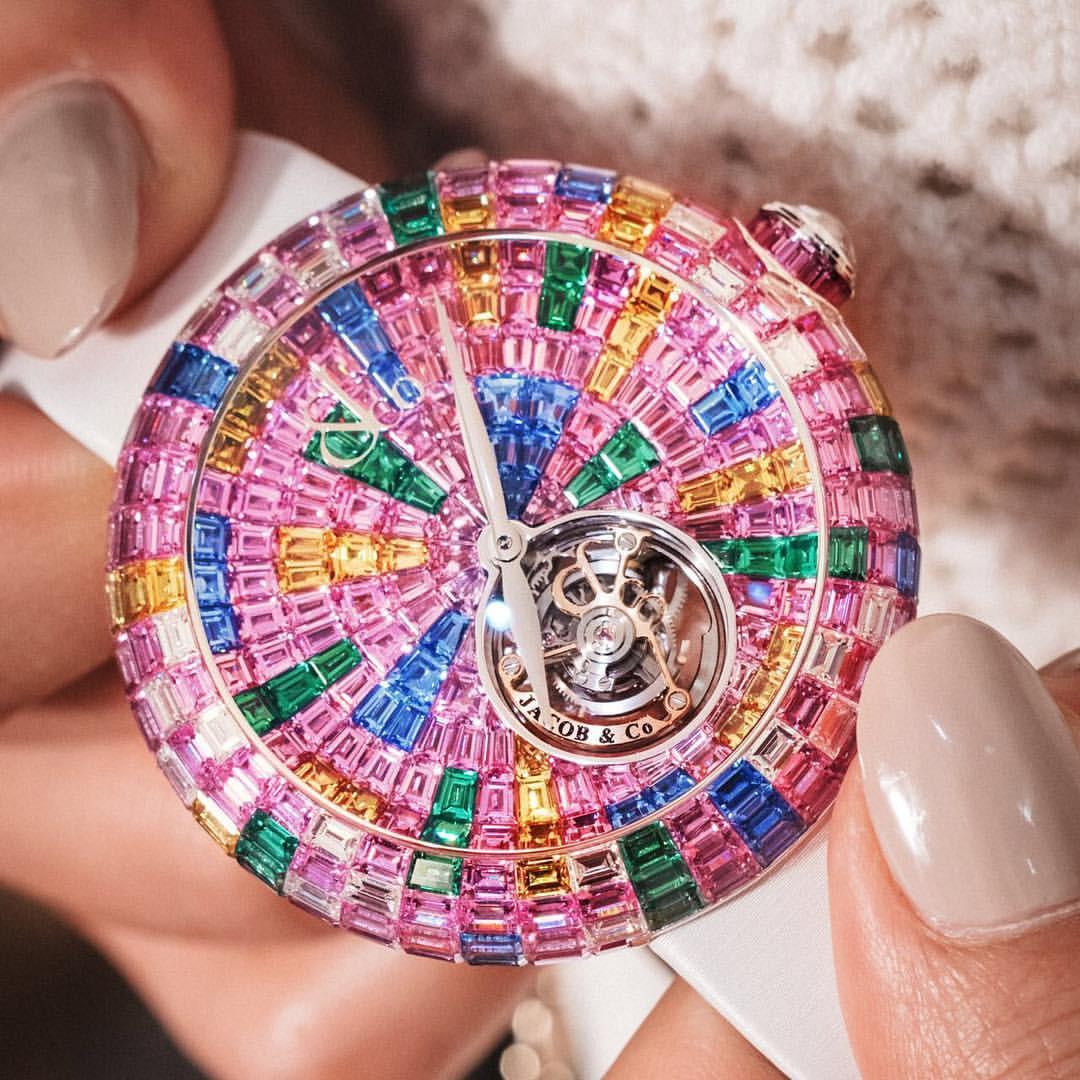 Ngắm chiếc đồng hồ tourbillion rực rỡ  nhất của Jacob & Co: Mê hoặc từ ánh nhìn đầu tiên - Ảnh 2.