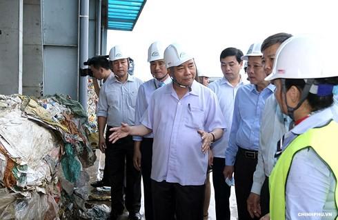 Thủ tướng Nguyễn Xuân Phúc làm việc có lãnh đạo tỉnh Quảng Bình - Ảnh 1.