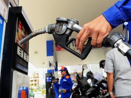 Không tăng thuế bảo vệ môi trường với xăng dầu đến hết năm 2019 - Ảnh 1.