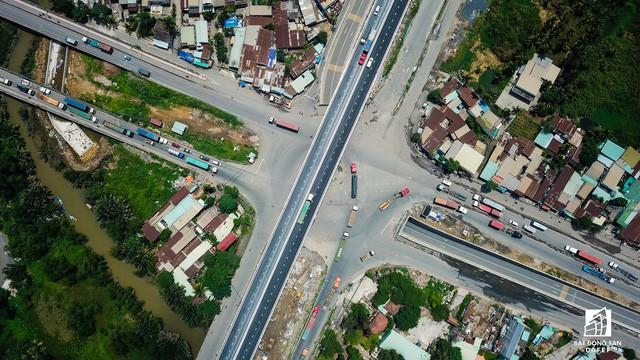 Những dự án hạ tầng giao thông lớn tại Tp.HCM mới hoàn thành khiến giá nhà đất xung quanh tăng đột biến - Ảnh 1.