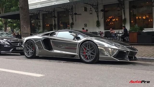 Lamborghini Aventador Roadster độ phong cách Tron Legacy chrome chói chang tại Hà Nội - Ảnh 2.
