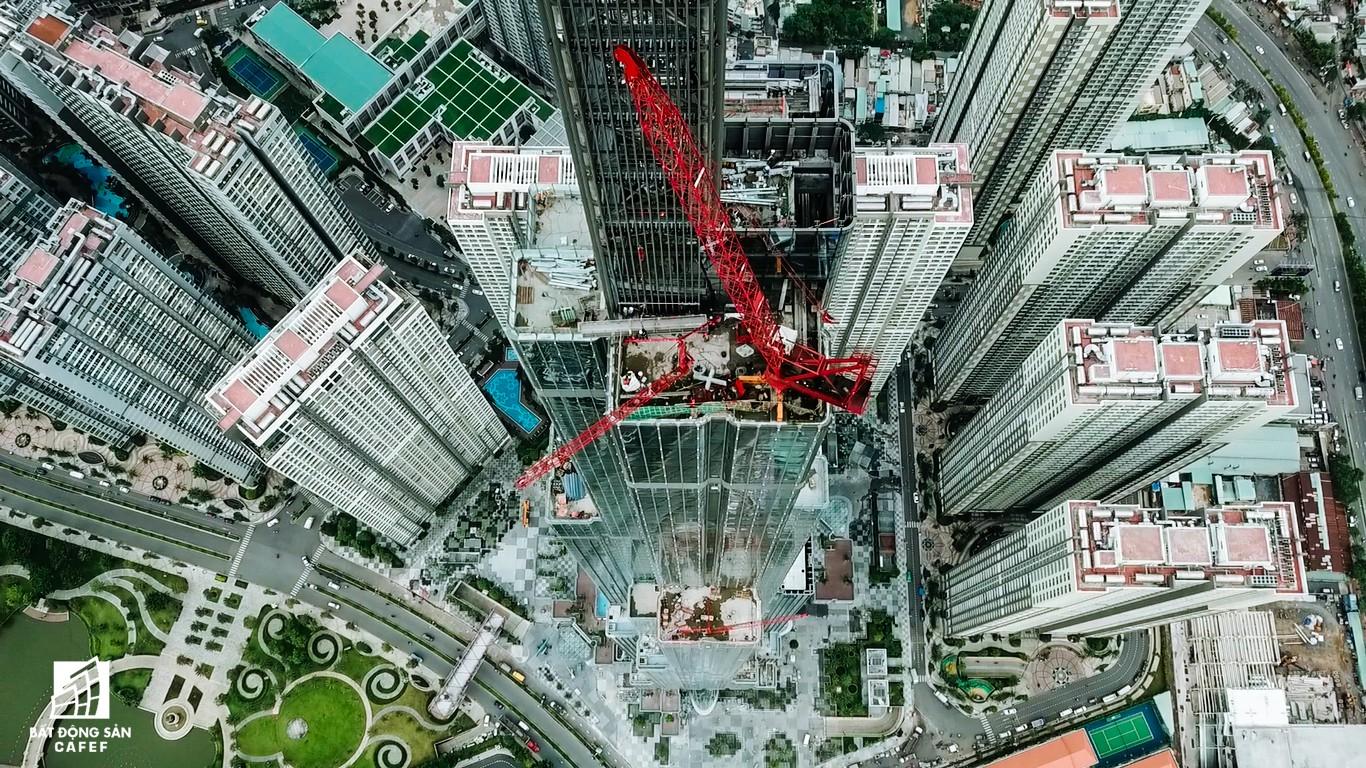 Toàn cảnh đô thị trung tâm Sài Gòn nhìn từ đỉnh tòa nhà cao nhất Việt Nam - Ảnh 5.