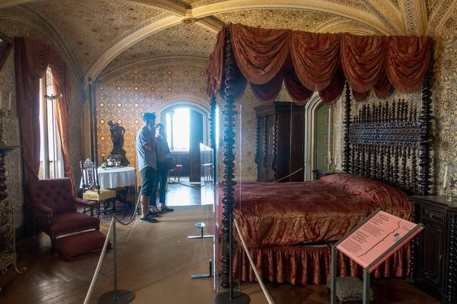 """Vẻ đẹp tựa cổ tích của cung điện đã được mệnh danh chính là """"Disneyland dành cho người lớn"""": Xa hoa, tráng lệ nhưng chưa kém phần cổ kính - Ảnh 12."""