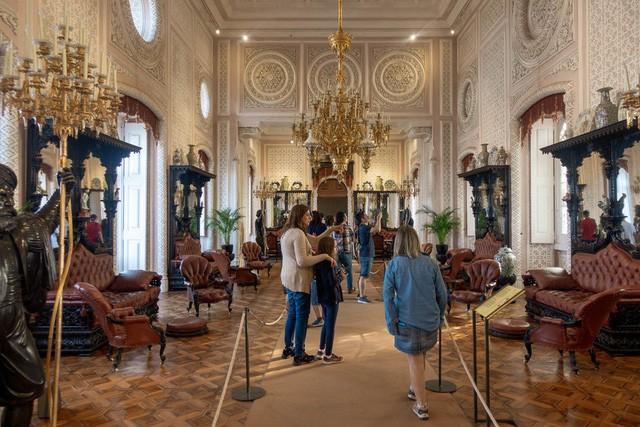 """Vẻ đẹp tựa cổ tích của cung điện đã được mệnh danh là """"Disneyland dành cho người lớn"""": Xa hoa, tráng lệ Tuy nhiên không kém phần cổ kính - Ảnh 9."""
