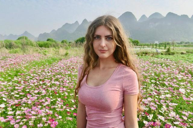 Nữ Vlogger Mỹ kể lại ký ức kinh hoàng khi bị quấy rối tình dục trong chuyến du lịch Ấn Độ - Ảnh 1.