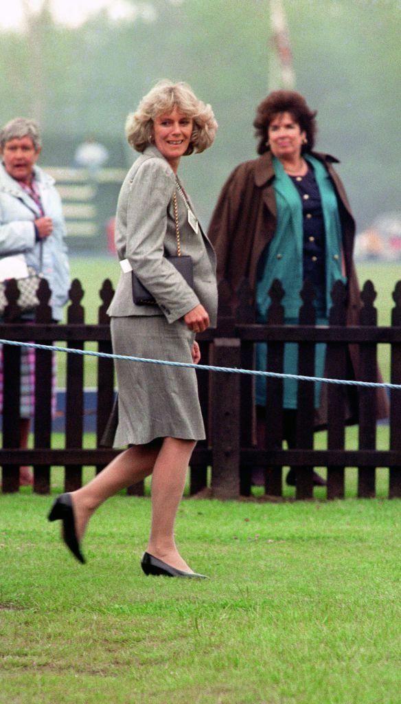 Từng giản dị đến mức nhàm chán, bà Camilla đã thay đổi phong cách thế nào để lọt top 30 nhân vật mặc đẹp nhất nước Anh? - Ảnh 3.