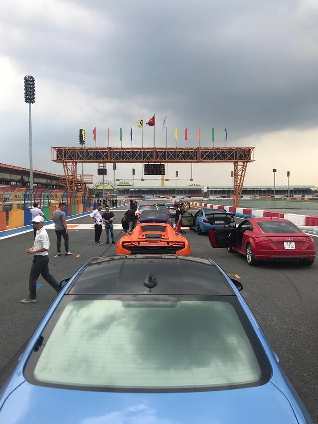Dàn siêu xe sặc sỡ thử tốc độ ở trường đua Đại Nam - Ảnh 13.
