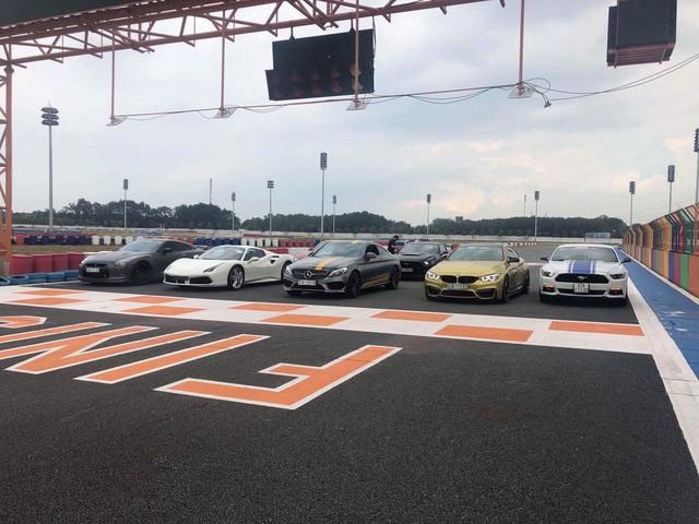 Dàn siêu xe sặc sỡ thử tốc độ ở trường đua Đại Nam - Ảnh 17.