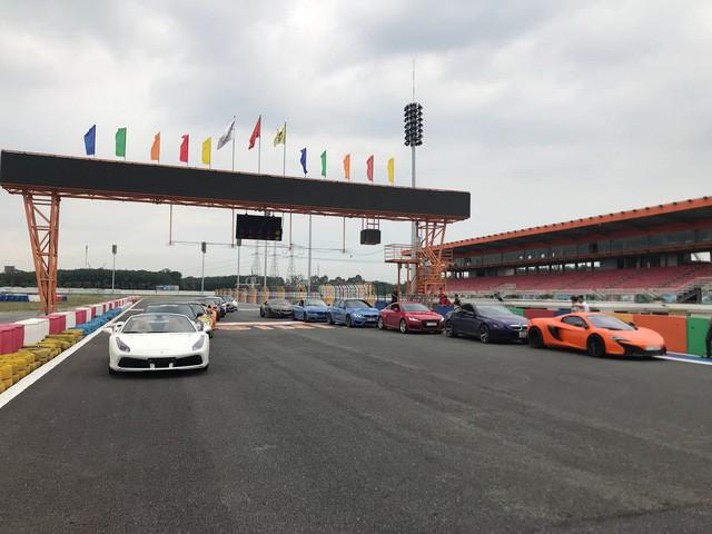 Dàn siêu xe sặc sỡ thử tốc độ ở trường đua Đại Nam - Ảnh 4.
