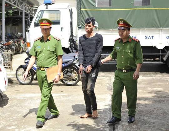 Khởi tố đối tượng cướp tiệm vàng ở Đắk Lắk - Ảnh 1.