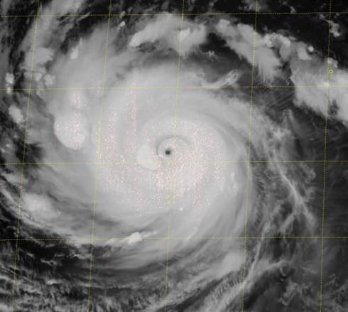 Lại xuất hiện siêu bão Trami gần Biển Đông - Ảnh 2.