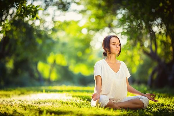 Cố ngủ nướng, bỏ bữa sáng, lười tập luyện: Những thói quen buổi sáng sai lầm nhiều người mắc, không thay đổi đừng hỏi vì sao sức khỏe yếu, công việc dậm chân tại chỗ - Ảnh 4.