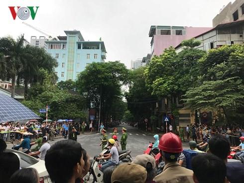 Trực tiếp: Đưa linh cữu Chủ tịch nước Trần Đại Quang về quê nhà - Ảnh 16.