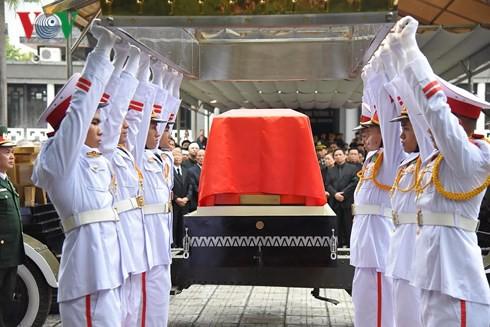 Trực tiếp: Đưa linh cữu Chủ tịch nước Trần Đại Quang về quê nhà - Ảnh 19.