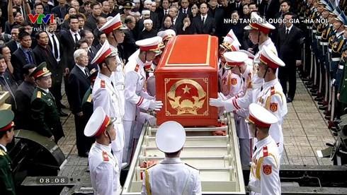 Trực tiếp: Đưa linh cữu Chủ tịch nước Trần Đại Quang về quê nhà - Ảnh 23.