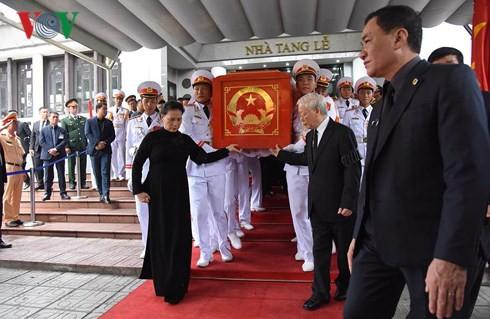 Trực tiếp: Đưa linh cữu Chủ tịch nước Trần Đại Quang về quê nhà - Ảnh 25.