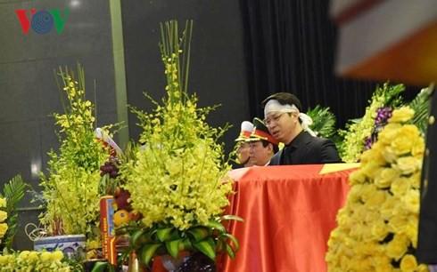 Trực tiếp: Đưa linh cữu Chủ tịch nước Trần Đại Quang về quê nhà - Ảnh 29.