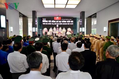 Trực tiếp: Đưa linh cữu Chủ tịch nước Trần Đại Quang về quê nhà - Ảnh 31.