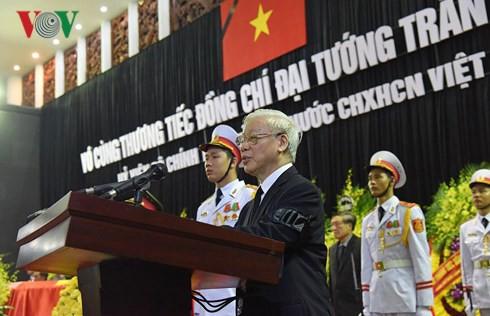Trực tiếp: Đưa linh cữu Chủ tịch nước Trần Đại Quang về quê nhà - Ảnh 35.