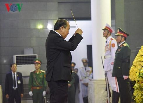 Trực tiếp: Đưa linh cữu Chủ tịch nước Trần Đại Quang về quê nhà - Ảnh 47.
