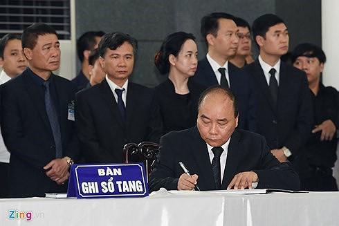 Trực tiếp: Đưa linh cữu Chủ tịch nước Trần Đại Quang về quê nhà - Ảnh 49.