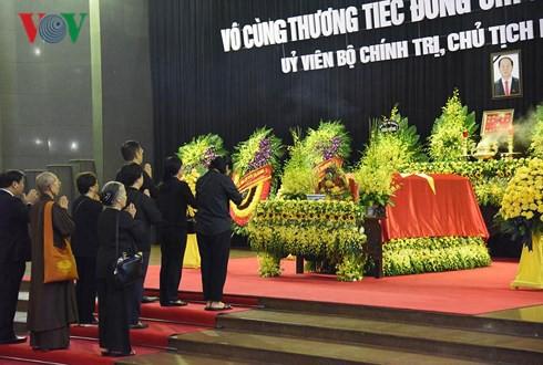 Trực tiếp: Đưa linh cữu Chủ tịch nước Trần Đại Quang về quê nhà - Ảnh 57.