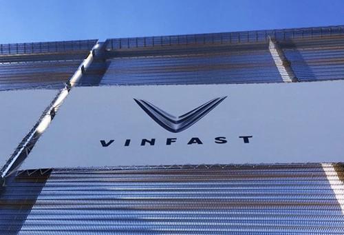 Lộ hình ảnh đầu tiên của VinFast tại Paris Motor Show - Ảnh 2.